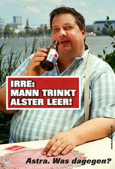 Astra - Mann trinkt Alster leer