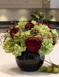 Hydrangea, Red Roses and Berries | RTfact | Artificial Silk Flowers