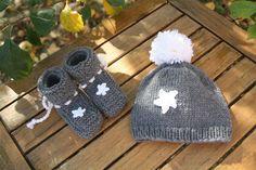 Sets - Sternchen und Bommel ! Babyschuhe und Babymütze - ein Designerstück von…
