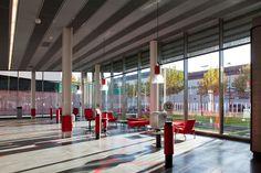 Gallery of Mapfre Automovile Services Centre / Beriot, Bernardini Arquitectos - 14