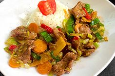 Chop - Suey Chop Suey, Beef Recipes, Chicken Recipes, Healthy Recipes, Kung Pao Chicken, Sushi, Food And Drink, Low Carb, Lunch