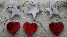 Stjerner og hjerter i sælskind: NUKA Design School Projects, Projects To Try, Skin Craft, Diy Gifts, Diy And Crafts, Valentines Day, Christmas Ornaments, Holiday Decor, Creative