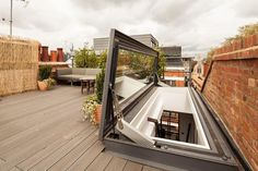 With just a press of a button you have comfortable, easy access to the terrace or roof space in less than a minute.