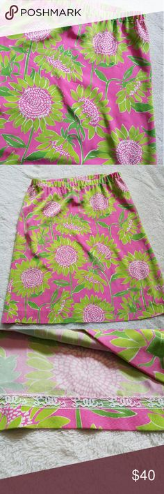 """Lilly Pulitzer Skirt (hard to find pattern!) LIKE NEW! Lilly Pulitzer """"Hibiscus Pink Soleil"""" skirt in size 6! This is such a fun skirt! 95% silk and 5% spandex this skirt has flow and has some give to it. Elastic waist makes for a comfortable fit. Waist measures 15."""" Across and the length of this skirt is 22.25"""". A RARE Lilly pattern!! Lilly Pulitzer Skirts Midi"""