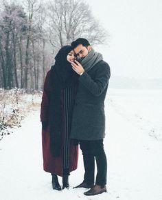 This is illusion. Couples Musulmans, Cute Muslim Couples, Couples Images, Cute Couples Goals, Young Couples, Romantic Couples, Niqab, Muslim Fashion, Hijab Fashion