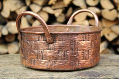 Basket vase hand-crafted copper container by LaCasadelRame on Etsy