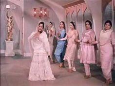Mere Mehboob(1963)-Jaaneman Ek Nazar Dekh Le (Lata Mangeshkar, Asha Bhon...