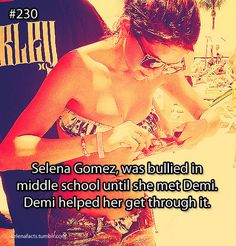 I love u Selena u r my fav singer Selena Gomez Facts, Estilo Selena Gomez, Selena Gomez With Fans, Selena Gomez Cute, Love U So Much, Love Her, Bullying Quotes, Selena Gomez Wallpaper, Tan Girls