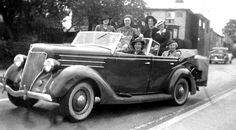 Six American schoolgirls in one American car! Historical Photos, American, Car, Historical Pictures, Automobile, Vehicles, Cars, History Photos, Autos