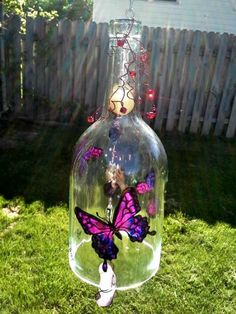 Recycled Wine Bottle, Butterfly Wind Chime, Yard Art, Glass - All About Wine Bottle Chimes, Glass Bottle Crafts, Wine Bottle Art, Diy Bottle, Beer Bottle, Glass Bottles, Recycled Wine Bottles, Painted Wine Bottles, Carillons Diy