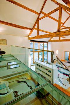 scheunenumbau wohnhaus glas boden treppen geländer