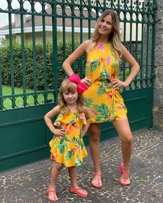 Mom And Baby Outfits, Mother Daughter Matching Outfits, Kids Outfits, Fashion Kids, Toddler Girl Dresses, Girls Dresses, Baby Suit, Baby Prints, Ideias Fashion