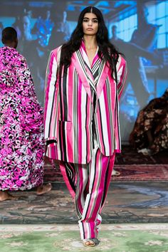 Selam Fessahaye Stockholm Fall 2019 Fashion Show Collection: See the complete Selam Fessahaye Stockholm Fall 2019 collection. Look 8 Tokyo Fashion, Kimono Fashion, Stockholm, Seoul, Ukraine, Istanbul, Swedish Fashion, Lady In Waiting, Fashion Show Collection