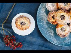 Karácsonyi mini pite - Lila füge: Havas Dóra - YouTube Doraemon, Doughnut, Bread, Desserts, Recipes, Youtube, Street, Kitchen, Tailgate Desserts