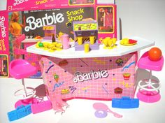 Vintage Barbie Play Set Snack Shop with box by ManateesToyBox