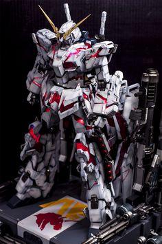 GUNDAM GUY: PG 1/60 Unicorn Gundam + Full Armor Part Set - Painted Build