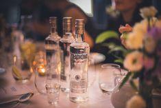 Drinki z Lubelską Gruszkówką i Jeżynówką -Zestawienie - Koktajl.TV Vodka Bottle, Drinks, Food, Drinking, Beverages, Essen, Drink, Meals, Yemek