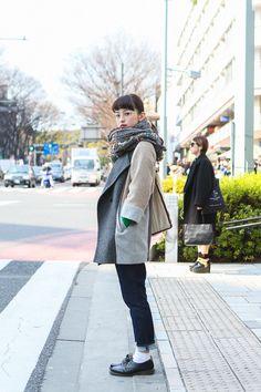 Street style in Tokyo Japanese Street Fashion, Tokyo Fashion, Harajuku Fashion, India Fashion, Tokyo Street Style, Street Style Women, Tokyo Style, Look 2018, Girl Fashion