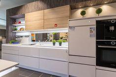 Reddy Küchen, Kitchen Cabinets, Modern, House, Home Decor, Dark Hardwood, New Kitchen, Trendy Tree, Decoration Home