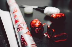 BUDGET-FRIENDLY GIFT WRAP TIPS. Once the gifts have been purchased, it's time to make them look pretty. With a little creativity and planning, wrapping gifts doesn't have to break the bank. Christmas Mom, Christmas Wrapping, Christmas Presents, Christmas Ideas, Christmas Traditions, Christmas Paper, Christmas Images, Christmas Morning, Simple Christmas