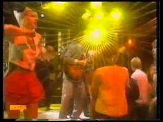 """Modern Romance – """" Ay Ay Ay Ay Moosey """" (1981)  [ TOTP]"""