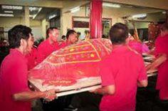 Phuket bereid zich voor op een festival. Niet zo maar een festival, maar het Por Tor Kong festival of het festival van de rode schildpad. De rode schildpad is het symbool van geluk, geluk en een lang leven.