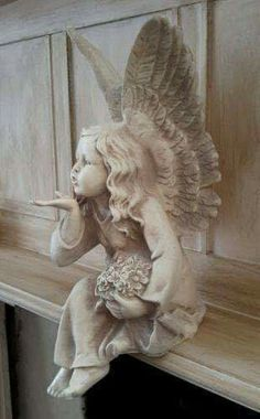 Antique White Sitting Fairy Angel Blowing a Kiss Figure Statue Shabby Chic Statue Tattoo, Angel Decor, Angel Art, Statue Art, Sculpture Art, Sculptures, Statue Antique, Fairy Statues, Garden Angels