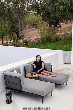 Wir haben die richtige Gartenmöbel Garnitur für Dich.    Klicke zum Kontakt    #gartenmoebel, #gartenmoebelgarnitur,  #RiesProDesign Outdoor Sofa, Outdoor Furniture, Outdoor Decor, Lounge Design, Modular Sofa, Sun Lounger, Modern, Home Decor, Garden Furniture Design