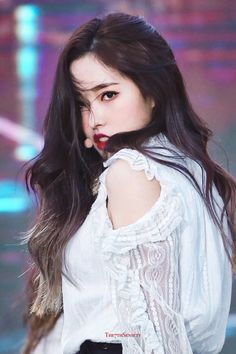 """""""i am: shaking at the sheer power"""" Kpop Girl Groups, Korean Girl Groups, Kpop Girls, Fandom, The 7th Sense, Singing In The Rain, Olivia Hye, Your Girl, Nayeon"""