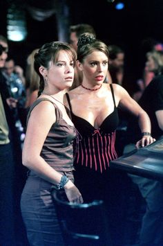 Charmed 2013 Update Photo Gallery – Alyssa Milano, Holly Marie Combs, Shannen Doherty, Rose McGowan and Kaley Cuoco Phoebe Charmed, Serie Charmed, Charmed Tv Show, Charmed Sisters, Piper Charmed, Alyssa Milano Charmed, Alyssa Milano Hot, Alicia Milano, Holly Marie Combs