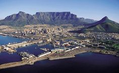 Cape Town, South Africa has an amazing history, and is a very vibrant modern day city. Beautiful surrounding locales, too for easy and fun day trips. Pretoria, Places To Travel, Places To See, Travel Pics, Travel Goals, Travel Ideas, Equador, Cape Town South Africa, Table Mountain