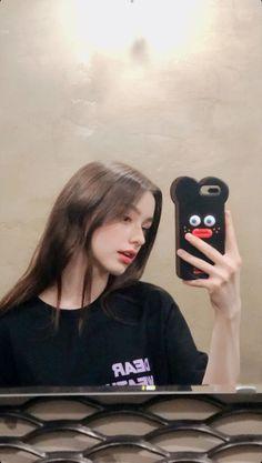 Ullzang Girls, Cute Girls, Cute Girl Face, Cute Girl Photo, Cool Girl Pictures, Girl Photos, Korean Beauty Girls, Girls Selfies, Bad Girl Aesthetic