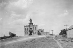Court House Rio Grande City The Robert Runyon Photograph Collection, 03217, courtesy of The Center for American History, The University of Texas at Austin