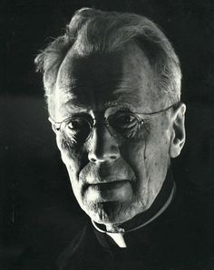 Max Von Sydow in full 3 1/2 hour appliance makeup by Dick Smith (The Exorcist).