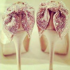 Beautiful D.I.Y Ways Embellish Your Shoes! #Shoes #Fashion #DIY