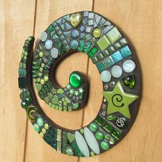 Green toned Mosaic Koru