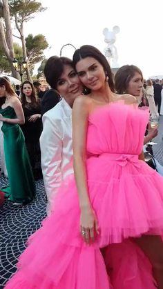 Kendall Jenner Video, Kendall Jenner Dress, Kendall Jenner Makeup, Estilo Fashion, Look Fashion, Jenner Family, Kardashian Jenner, Red Carpet Dresses, Nice Dresses