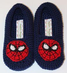 Slippers in Shoes - Etsy Men Funny Slippers, Kids Slippers, Knitted Slippers, Easy Crochet Socks, Crochet Baby Boots, Baby Knitting Patterns, All Spiderman, Crochet Chicken, Crochet Stars