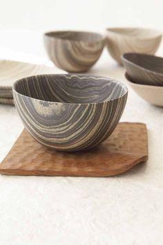 Neriage - Japanese porcelian 『練り上げ』作陶技法の一種