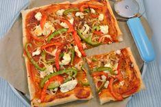 In het kader van onze Italiaanse maand hebben we weer een lekker recept voor jullie. Een echt Lekker en Simpel recept met een Italiaans tintje. Wij hebben voor dit recept bladerdeeg gebruikt maar je kunt natuurlijk ook (zelfgemaakt) pizzadeeg gebruiken. We hebben de plaattaart belegd met paprika, ui en ricotta en o wat was het …