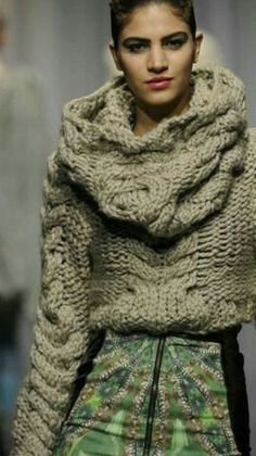 I love everything about this Fall outfit. Lovely Fall Fresh Looking Outfit. 50 Great Casual Style Looks That Will Make You Look Fabulous – I love everything about this Fall outfit. Lovely Fall Fresh Looking Outfit. Knitwear Fashion, Knit Fashion, Boho Fashion, Fashion Trends, Parisian Chic Style, Boho Chic, Love Clothing, Pull, Lana