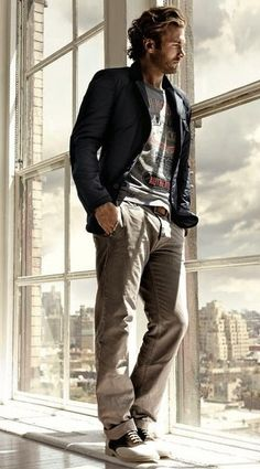 Great casual look. Nice cut on that coat, reduces the formality.