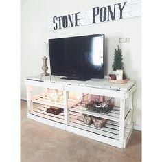 DIY pallet entertainment center • tv • farmhouse style