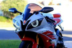 SHE'S GOT EYES :~  The new Yamaha YZF-R6.  Photo from the International Motorcycle Show.
