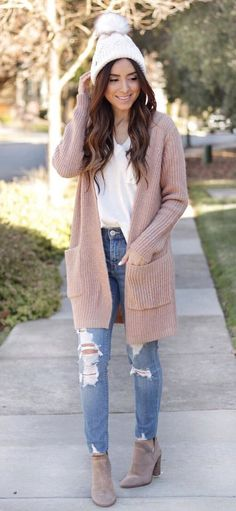 #winter #outfits white v-neck shirt and brown cardigan