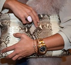 #PaulaEchevarria wearing Oval ring collection Oval Rings, Fashion Bloggers, Fashion Photo, Famous People, Purses And Bags, Outfit Ideas, Street Style, Jewels, Celebrities