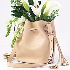 """Free People Vegan """"Bleeker"""" handbag Color: nude. A great style and color for every day! Super lightweight. Comes with the pouch! Only used for a week, in like-new condition. See pictures for more details. Free People Bags Hobos"""