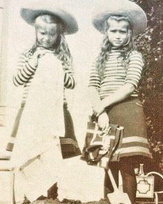 Grand Duchesses Anastasia and Maria Romanov