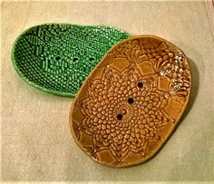 Szappantartók Saddle Bags, Pottery, Clay, Ceramics, Crochet, Fashion, Ceramica, Clays, Ceramica