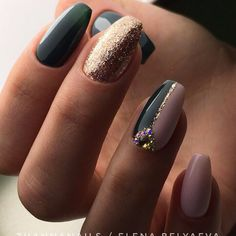 51 stunning trendy manicure ideas e. Conception of short acrylic nails 34 … Diamond Nails, Best Nail Art Designs, Super Nails, Green Nails, Flower Nails, Gorgeous Nails, Winter Nails, Trendy Nails, Nail Arts